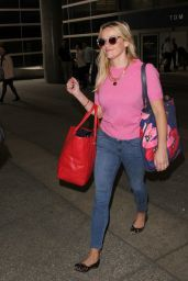 Reese Witherspoon - LAX Airport in Los Angeles, October 2015