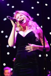 Renee Olstead - Sinatra 100 Concert At the Grove in Los Angeles