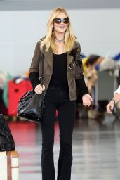 Rosie Huntington-Whiteley at JFK Airport, October 2015