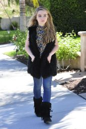 Sabrina Carpenter Casual Style - Out in Burbank, October 2015