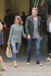 Sarah Hyland With Her Boyfriend - Shopping at the Grove in Hollywood, October 2015