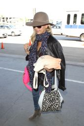 Sarah Michelle Gellar - at LAX Airport, October 2015