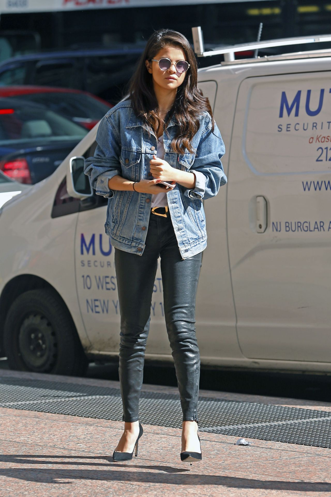 selena gomez casual style out in new york city october 2015