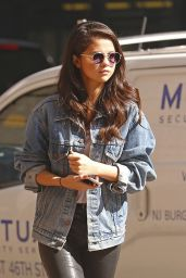 Selena Gomez Casual Style - Out in New York City, October 2015
