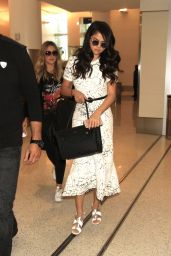 Selena Gomez - LAX Airport in Los Angeles, Ocotober 2015