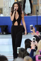 Selena Gomez - Performing on NBC