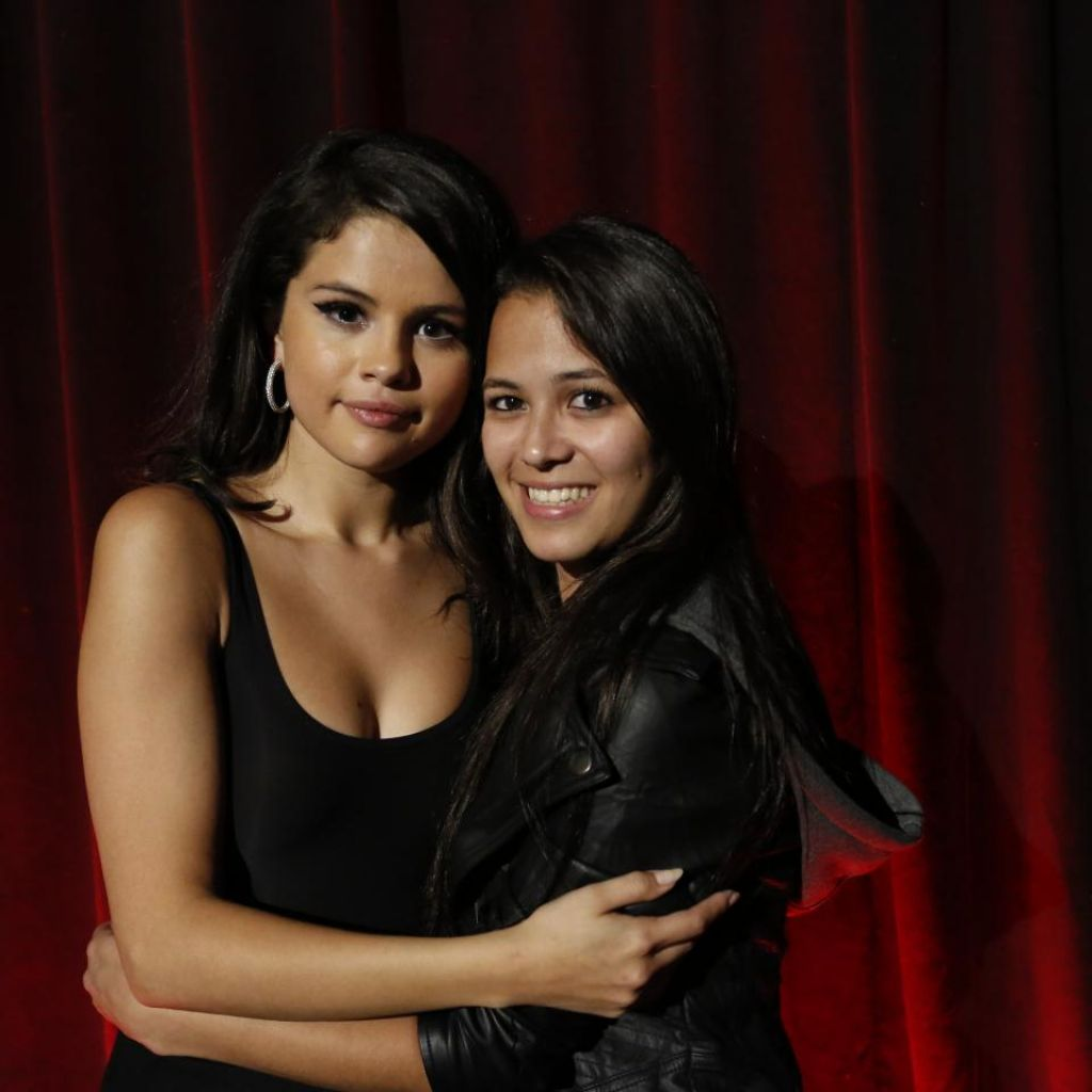 meet and greet selena gomez revival event