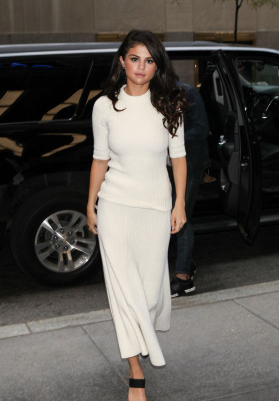 Selena Gomez Style - New York City, October 2015
