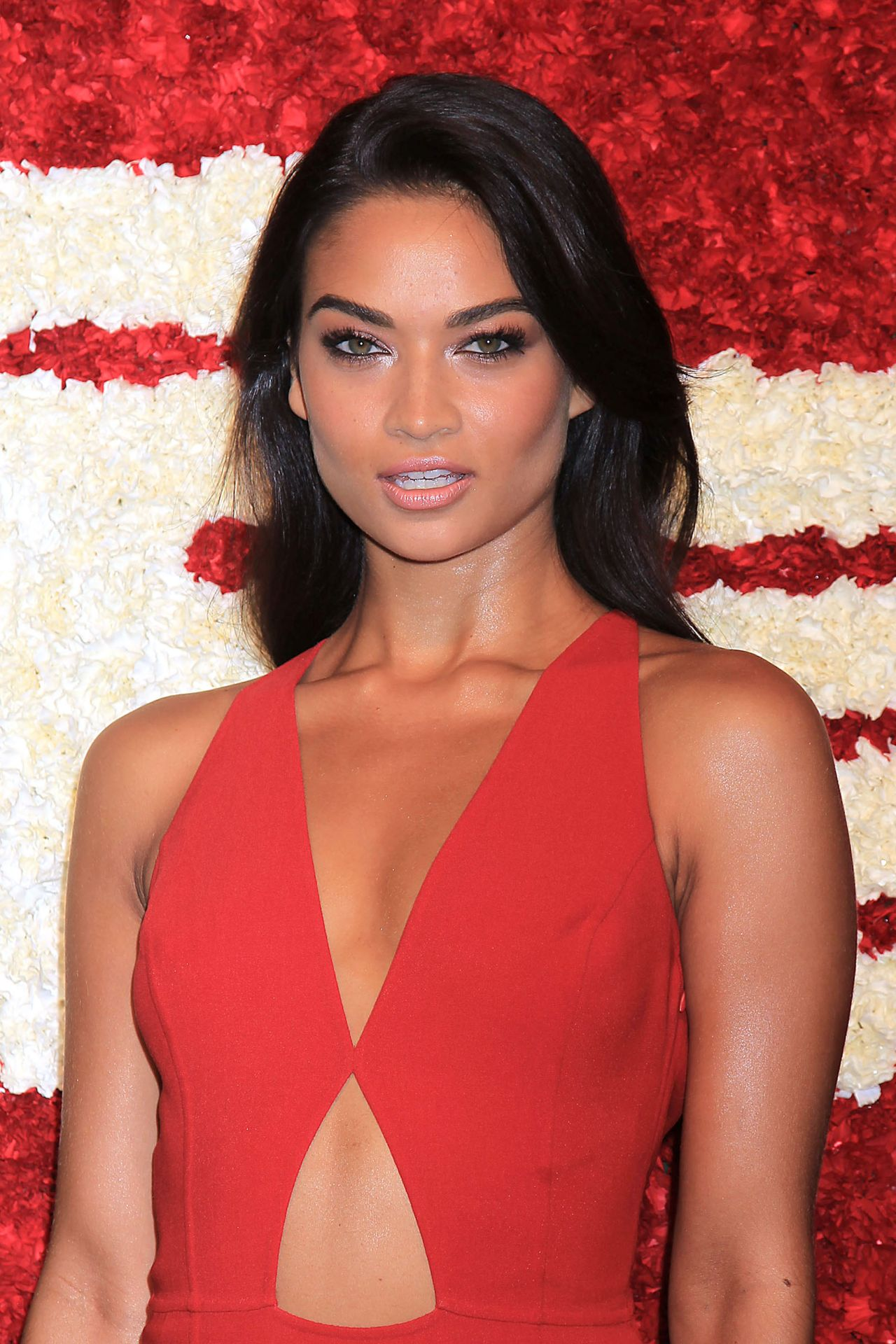 Shanina Shaik God S Love We Deliver 2015 Golden Heart