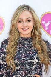 Sophie Reynolds - YSBnow Launch Party in Los Angeles
