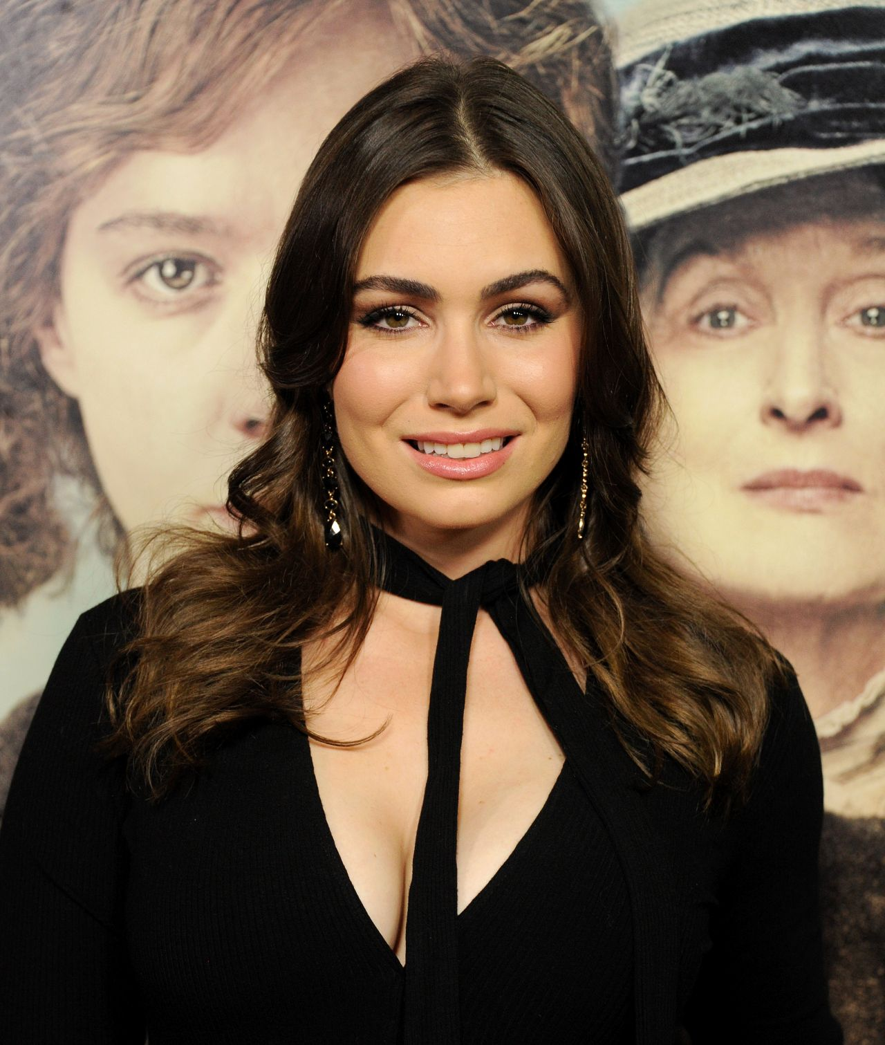 sophie simmons how tall