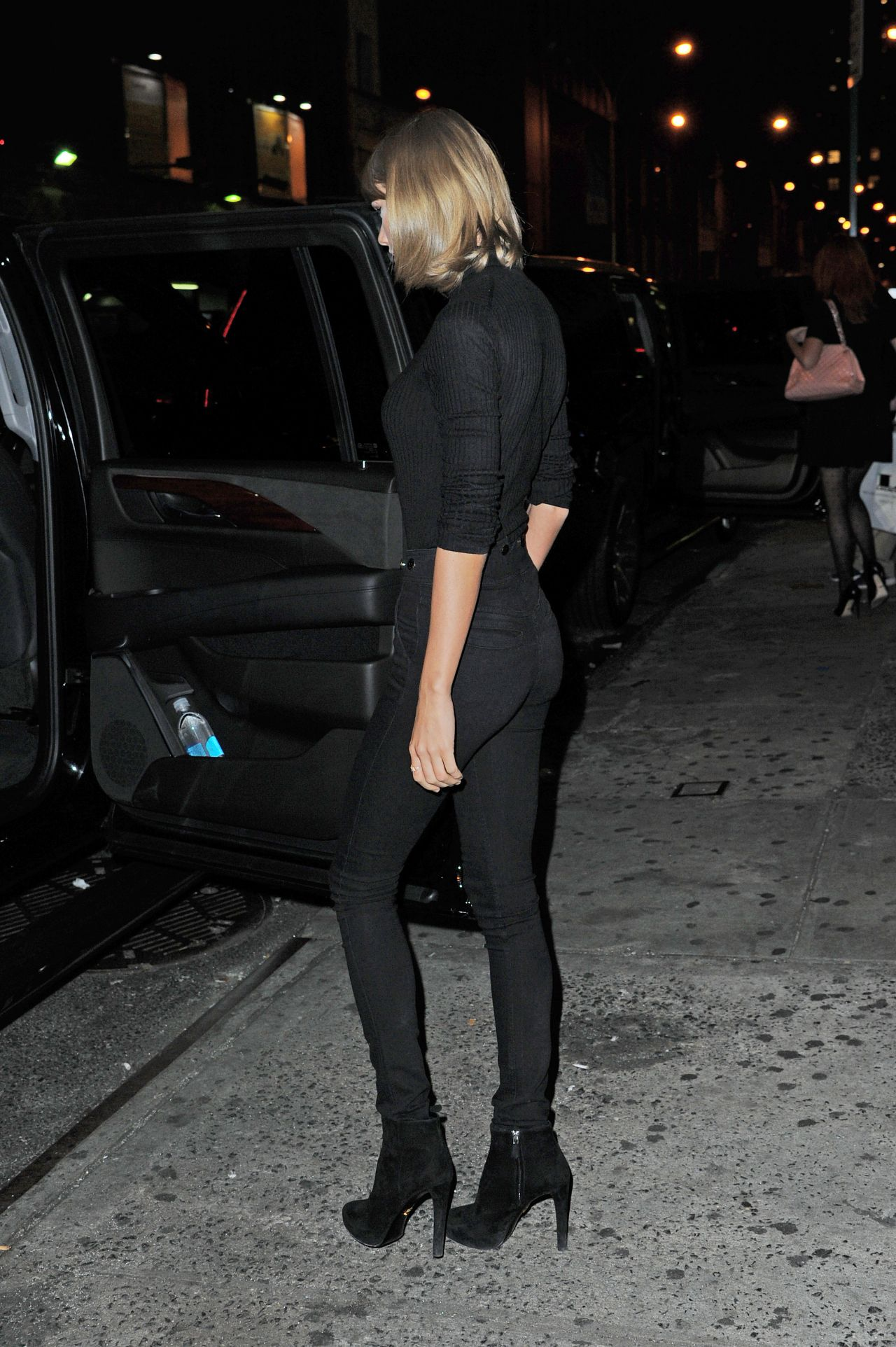 Taylor Swift Booty in Jeans - Out in New York City