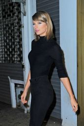 Taylor Swift Booty in Jeans - Out in New York City, October 2015