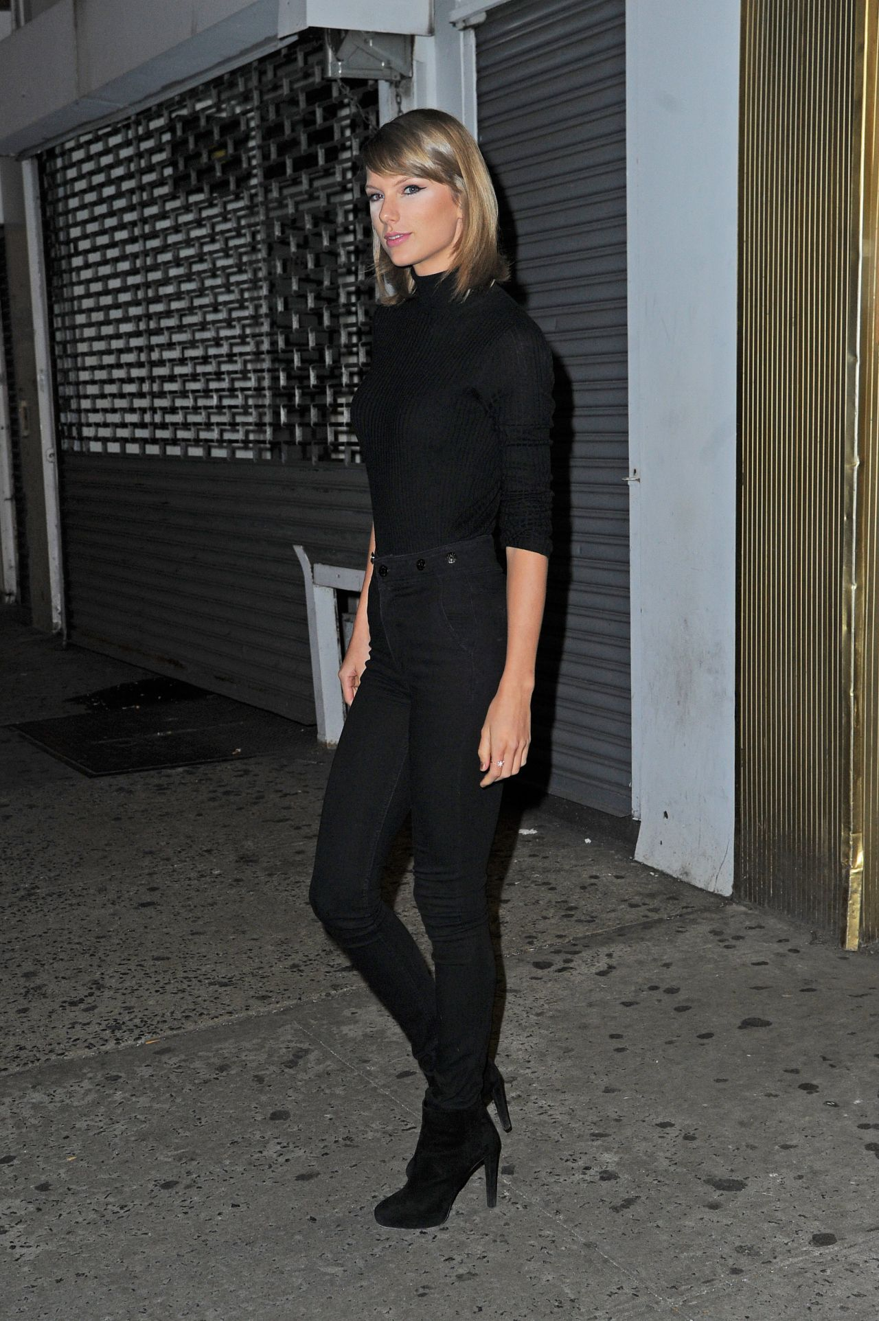 Taylor Swift Booty In Jeans Out In New York City