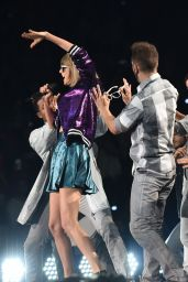 Taylor Swift Performs at 1989 World Tour in Miami
