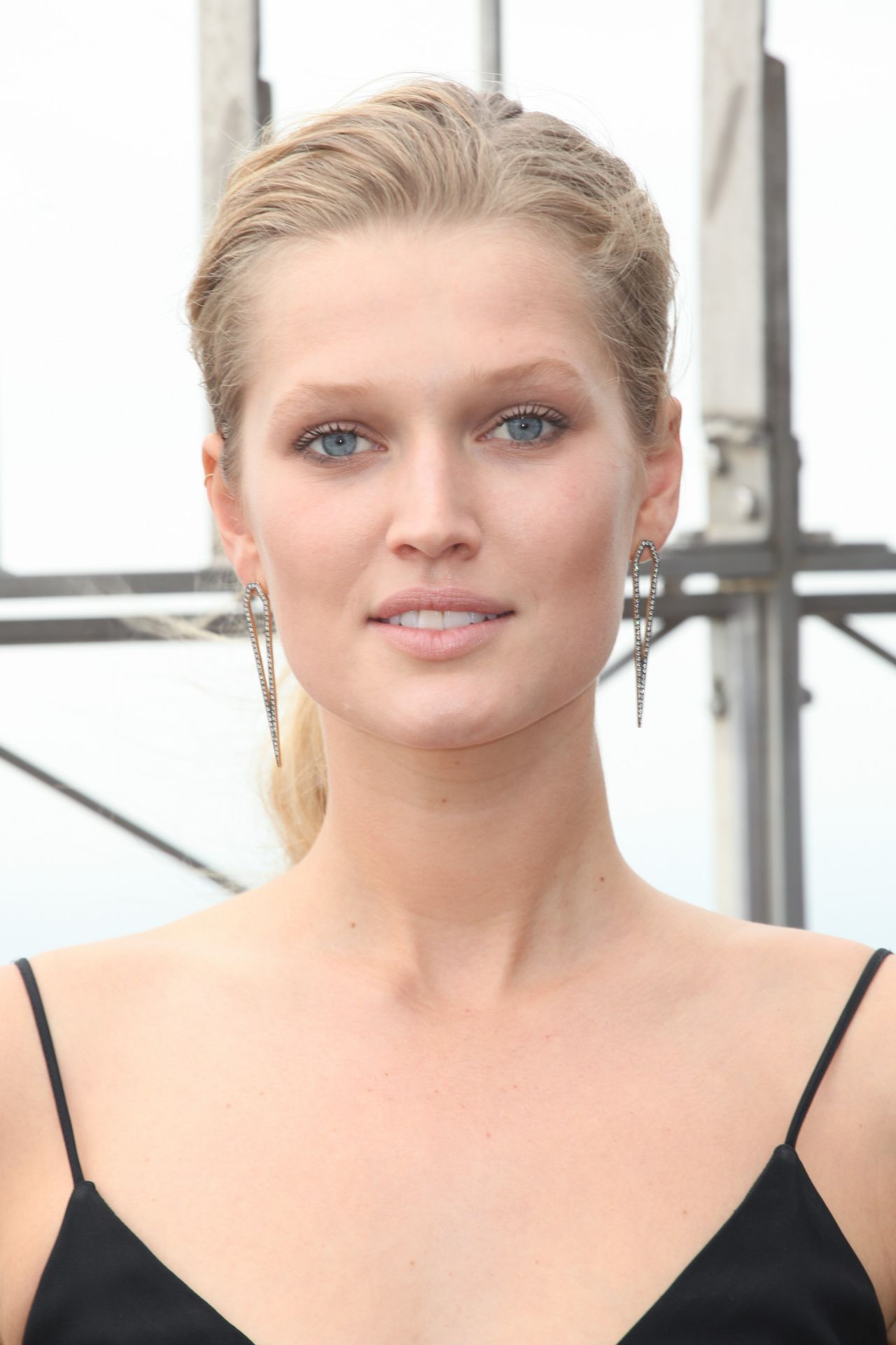 Toni Garrn The Empire State Building In New York