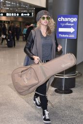 Tori Kelly - Arriving at Malpensa Airport in Milan, October 2015