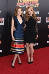 Zoey Deutch & Lea Thompson -