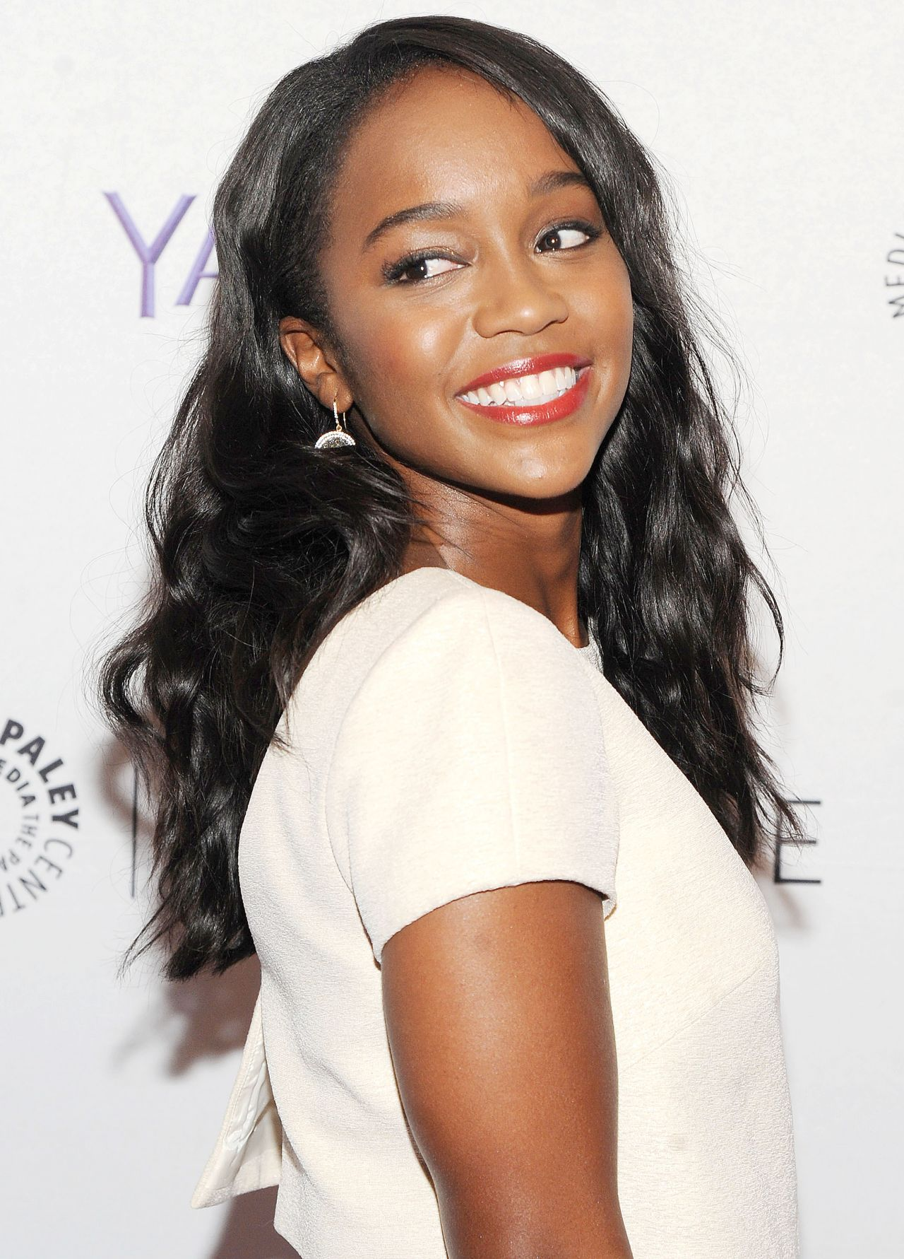 aja naomi king just jared