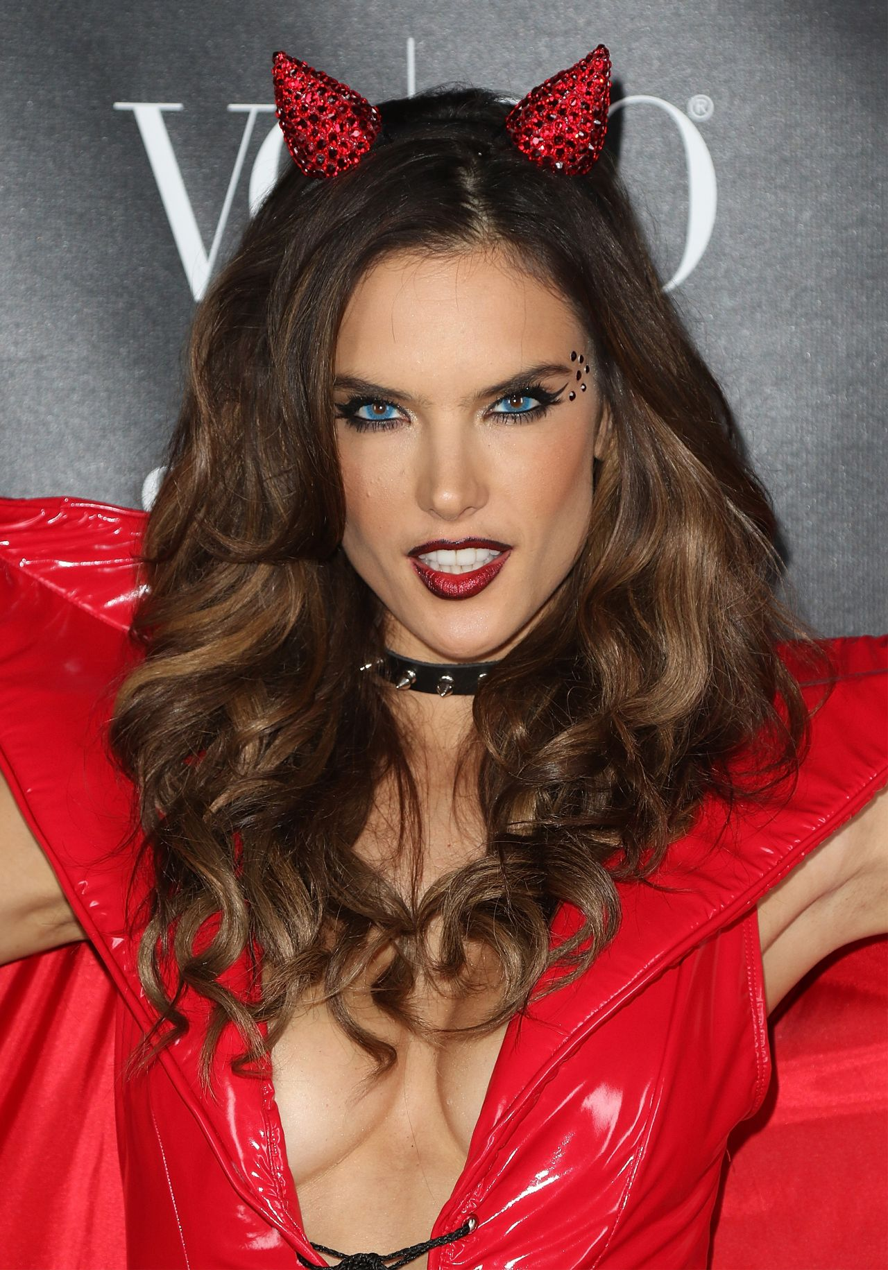 Alessandra Ambrosio Heaven And Hell Halloween Party In