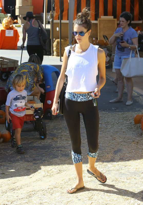 Alessandra Ambrosio in Leggings - Los Angeles, October 2015