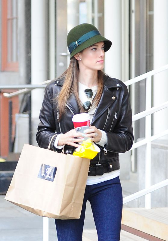 Allison Williams - The Seaport District and Fashion Boutique Seaport Studios in NYC, November 2015