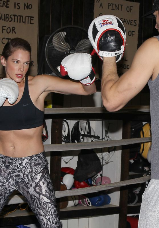 Amanda Righetti - Boxing to Keep in Shape - Santa Monica, November 2015
