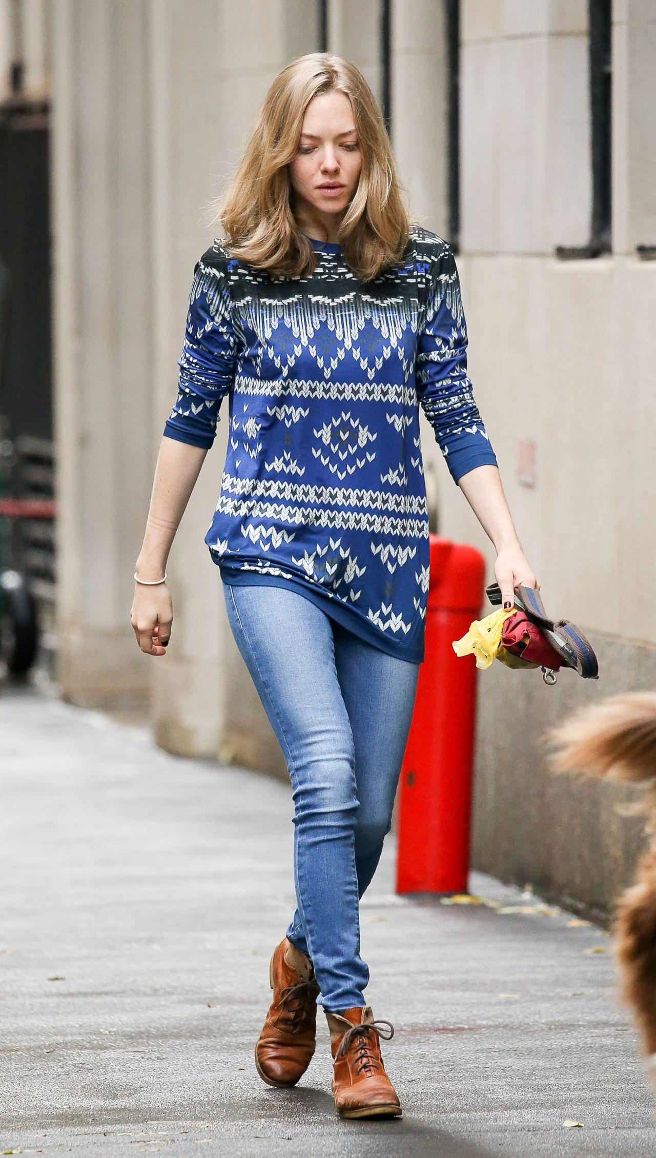Amanda Seyfried Street...