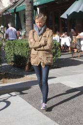 Amy Smart - Shopping in Beverly Hills, November 2015