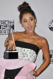 Ariana Grande – 2015 American Music Awards in Los Angeles