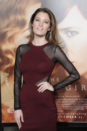 Ashley Hinshaw – The Danish Girl Premiere in Westwood, November 2015