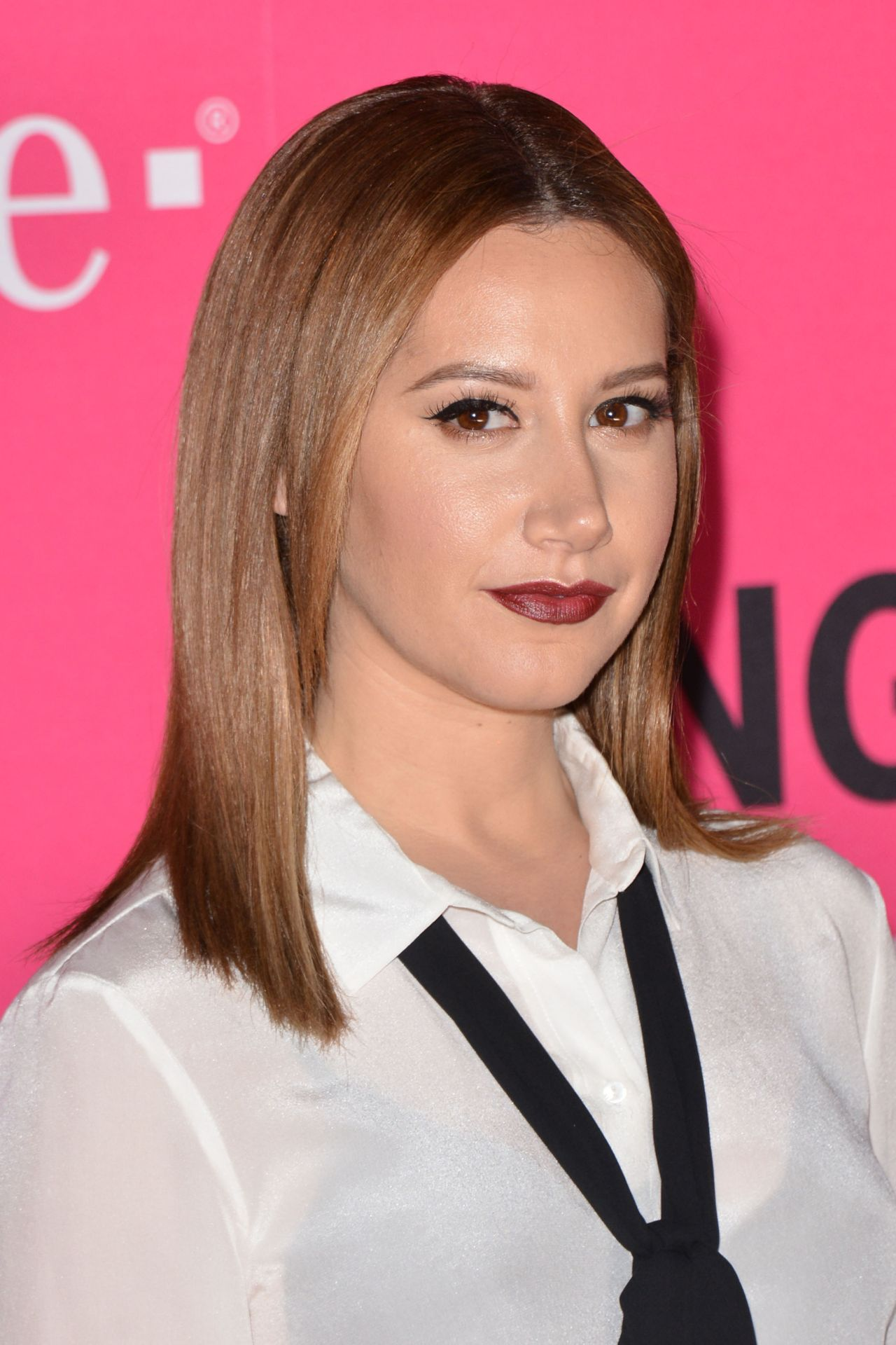 Ashley Tisdale T Mobile Un Carrier X November 2015