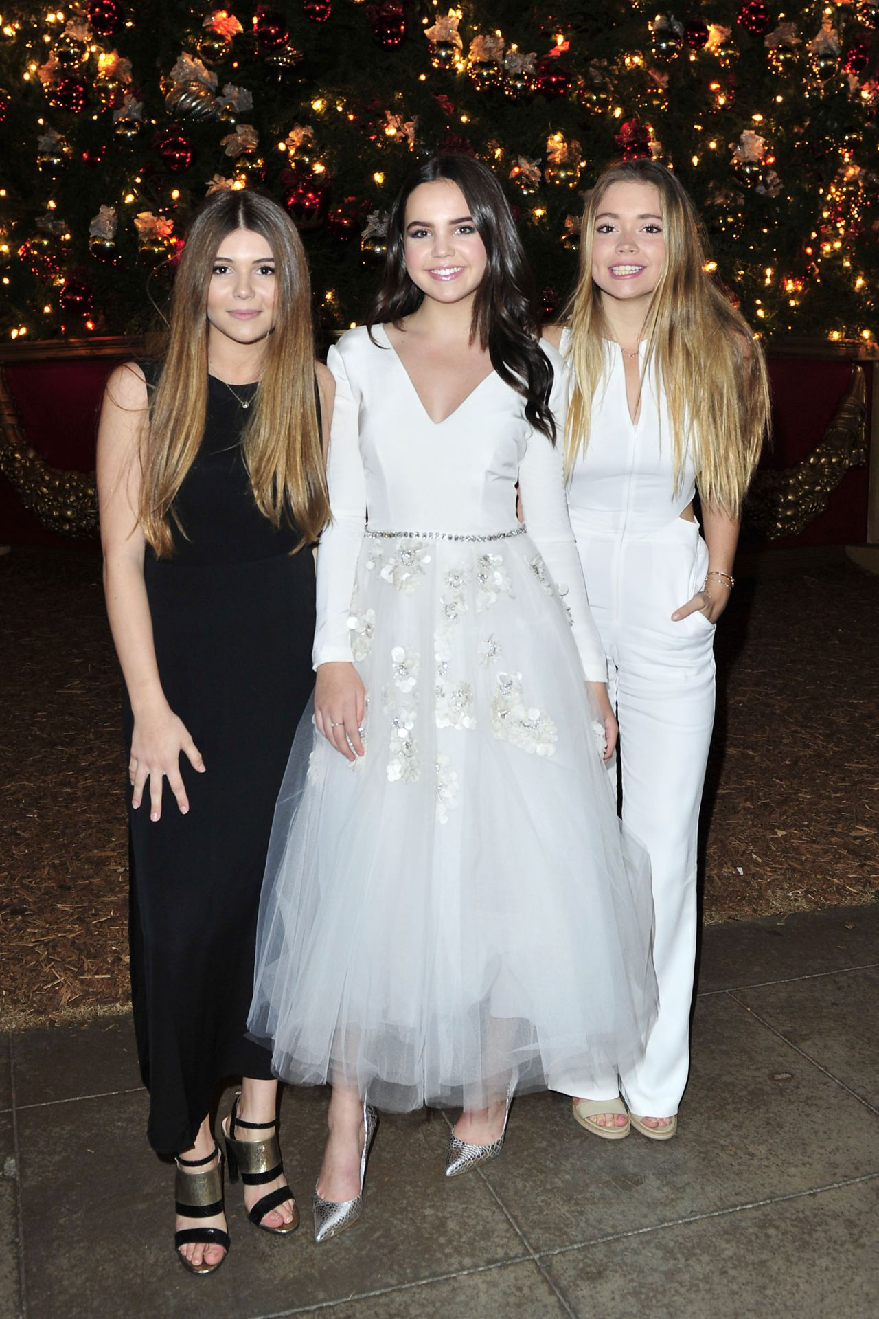 Bailee Madison - \'Northpole - Open For Christmas\' Screening in Los ...