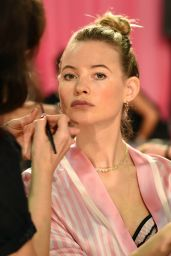 Behati Prinsloo – 2015 Victoria's Secret Fashion Show in New York City, Dressing Room