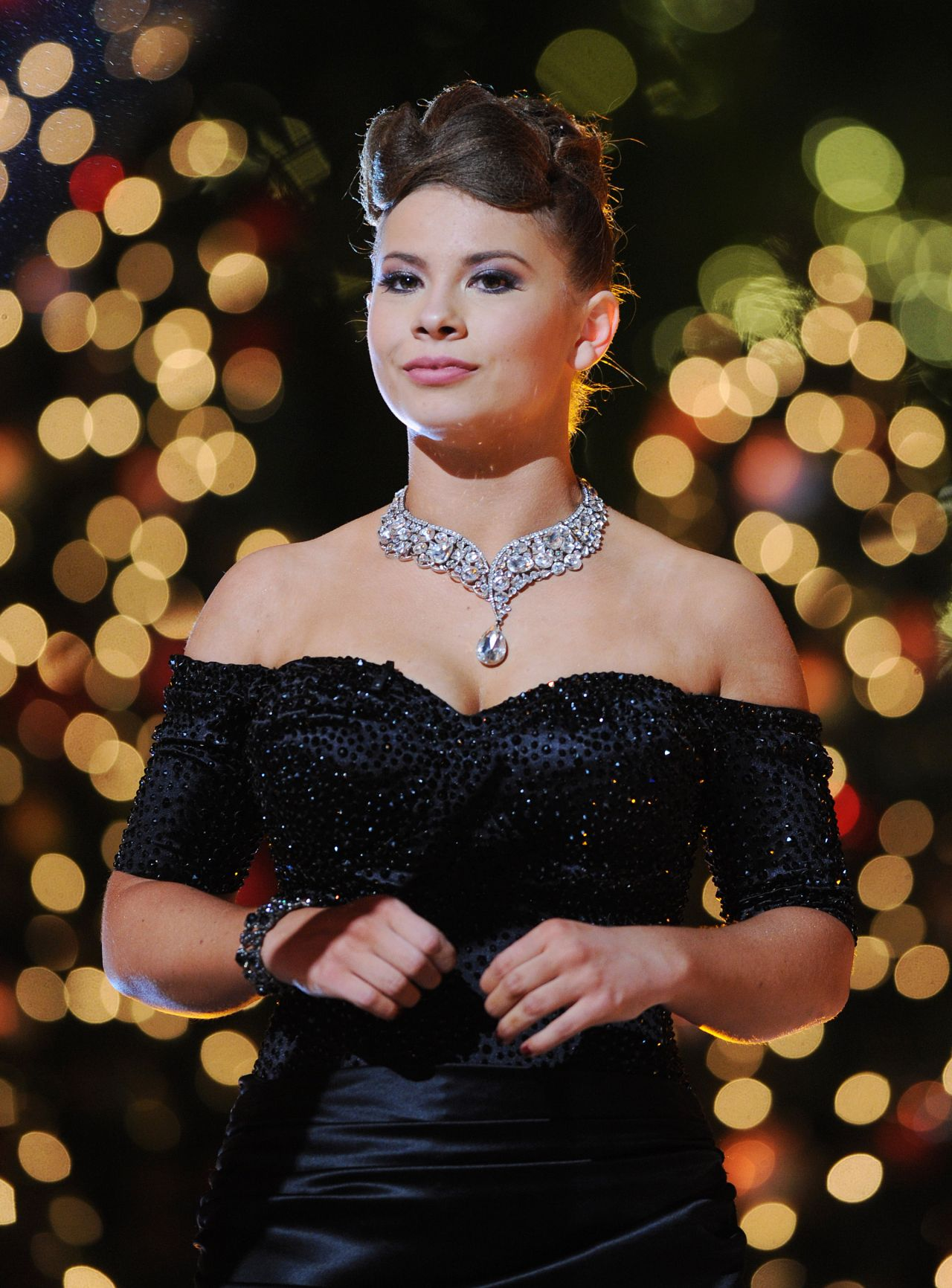 Bindi Irwin - Dancing With The Stars Finale in Los Angeles ...