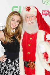 Brec Bassinger - 2015 Hollywood Christmas Parade in Hollywood