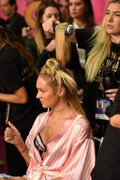 Candice Swanepoel – 2015 Victoria's Secret Fashion Show in New York City, Dressing Room