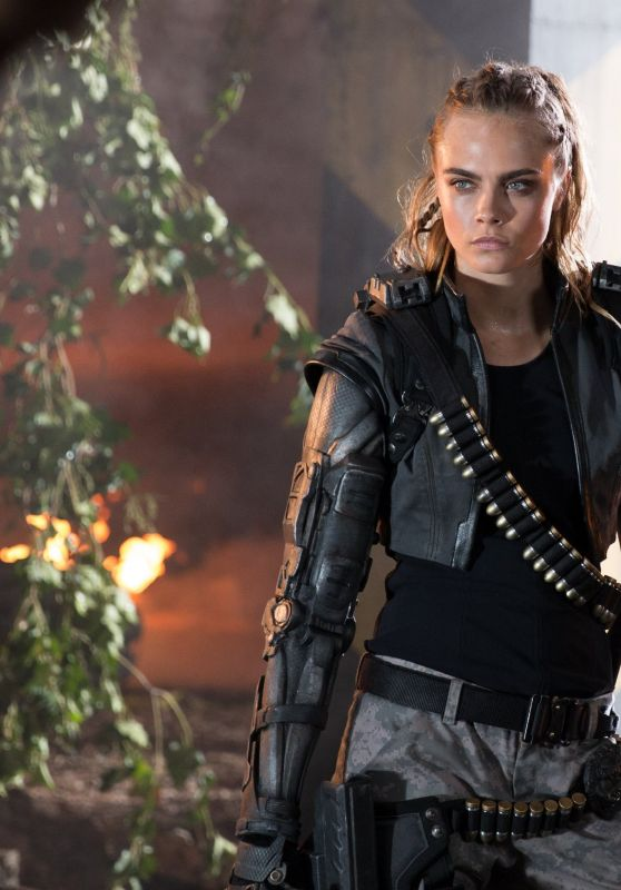 Cara Delevingne - Call of Duty