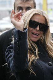 Carmen Electra - Arriving in Moscow, 11/25/2015