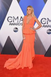 Carrie Underwood – 2015 CMA Awards in Nashville