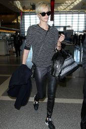 Charlize Theron Arrives at LAX Airport in Los Angeles, November 2015