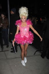 Chrissy Teigen – Arriving the Heidi Klum's 12th Annual Halloween Party at Penthous in New York City
