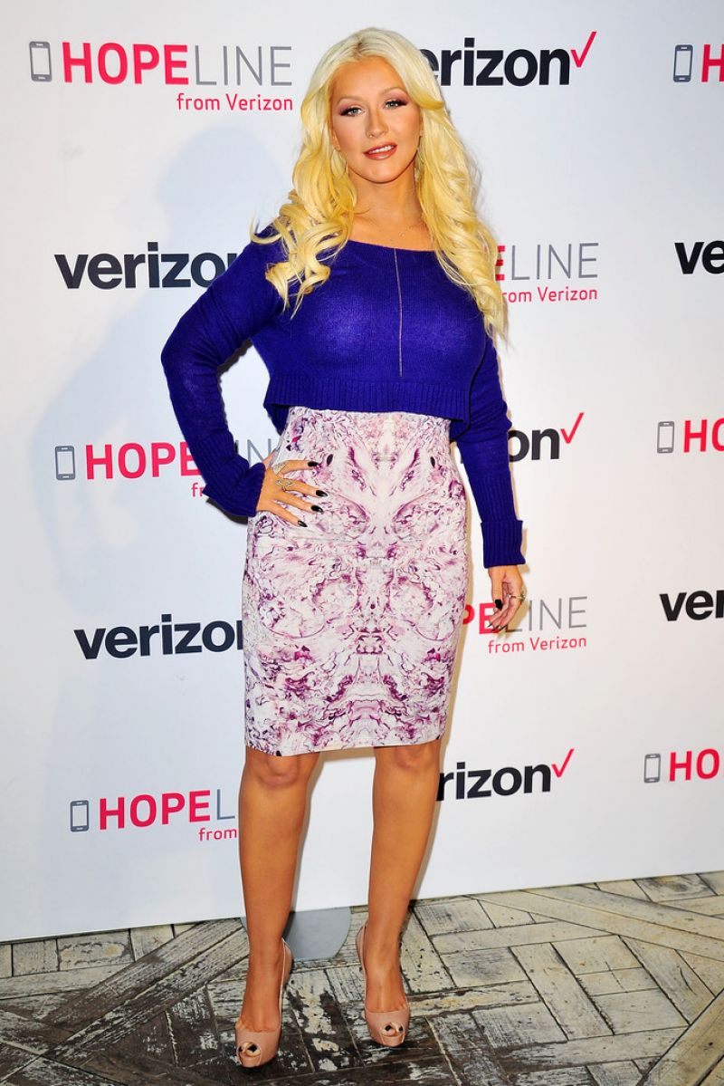Christina Aguilera Verizons HopeLine Program In West