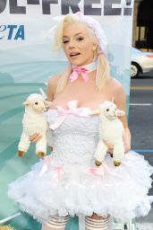 Courtney Stodden - PETA