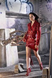 Daisy Ridley - Elle Magazine December 2015