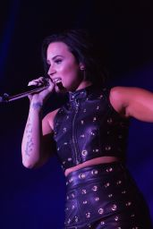 Demi Lovato - 106.1 Kiss FM's Fall Ball in Seattle, November 2015