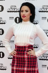 Demi Lovato - 2015 BBC 1 Teen Awards in London