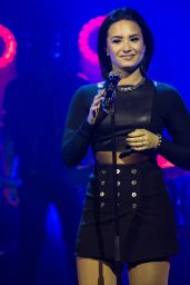 Demi Lovato - Talk Show at Senkveld in Sweden, November 2015