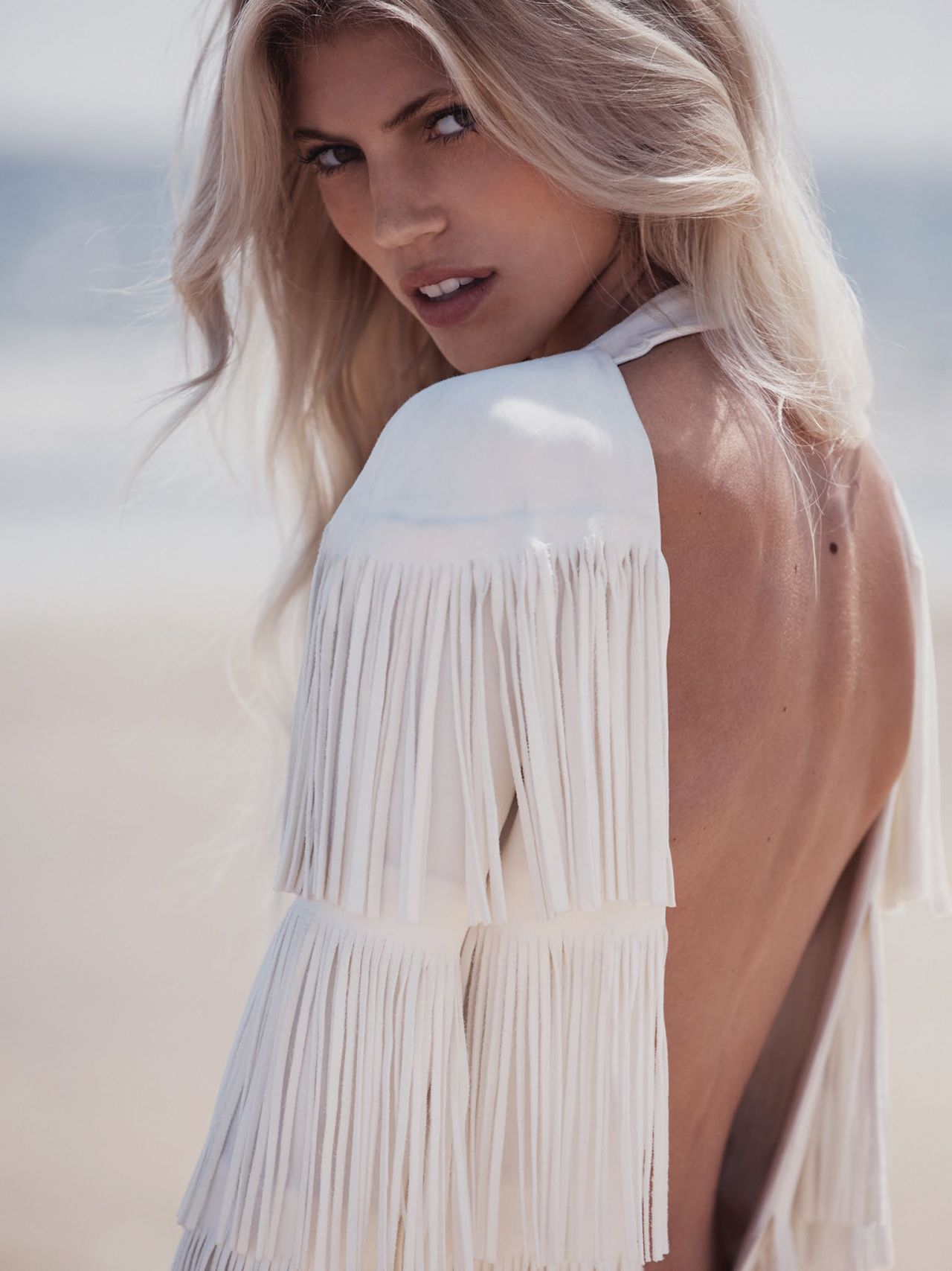 Devon Windsor Vogue Magazine Mexico November 2015