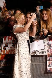 Elizabeth Banks – The Hunger Games Mockingjay Part 2 Premiere in London